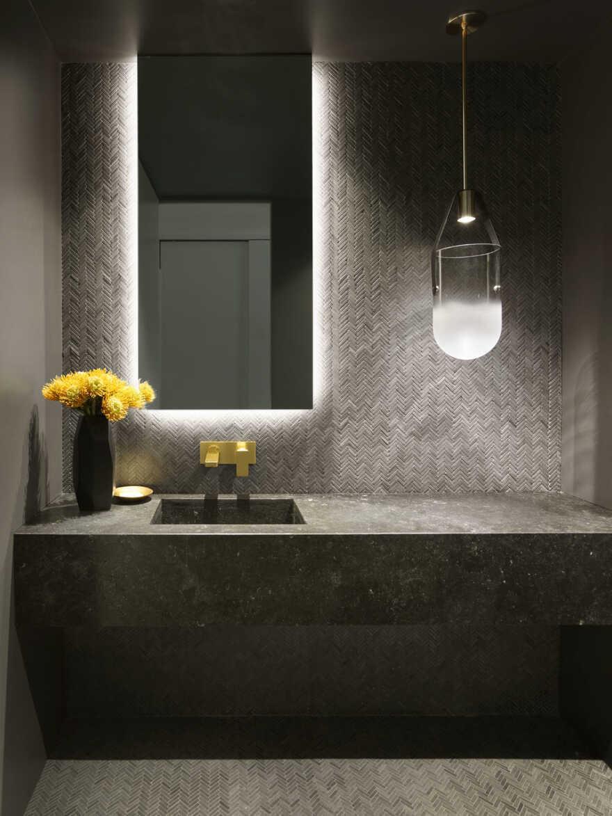 bathroom / Assembledge+