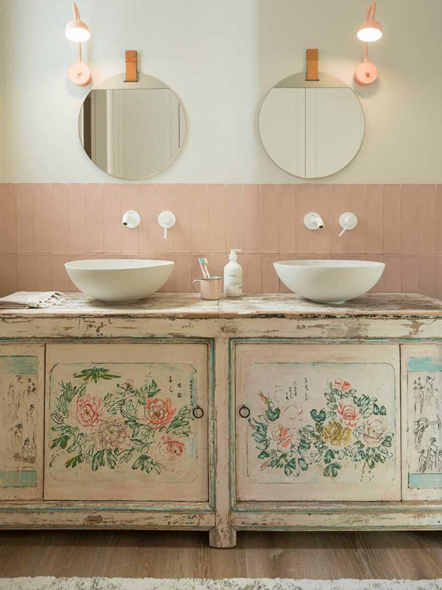 bathroom / The Room Studio