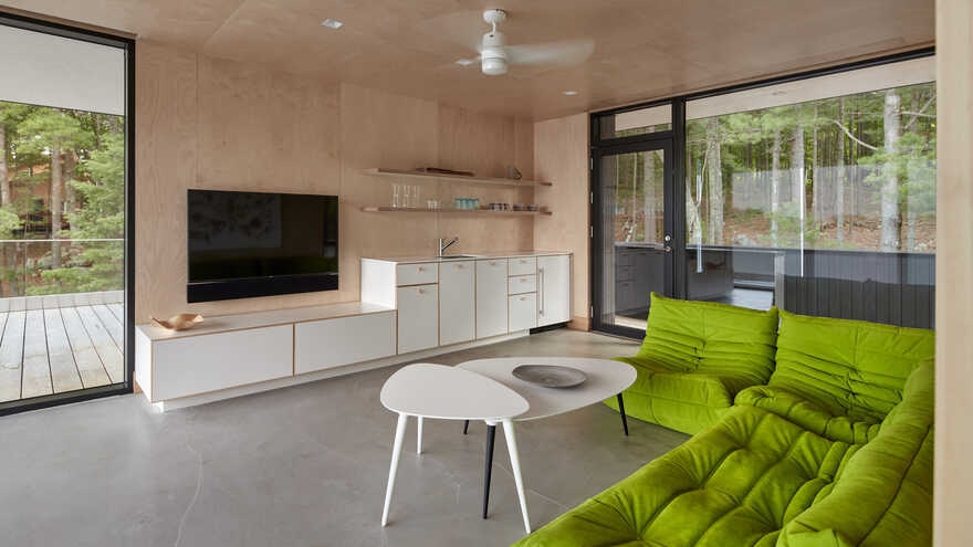 living room / Akb Architects