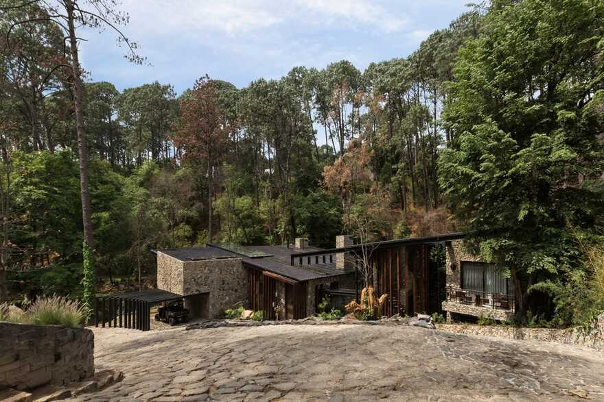 River Guest House / Luciano Gerbilsky Arquitectos