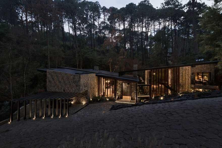 River Guest House / Luciano Gerbilsky Arquitectos