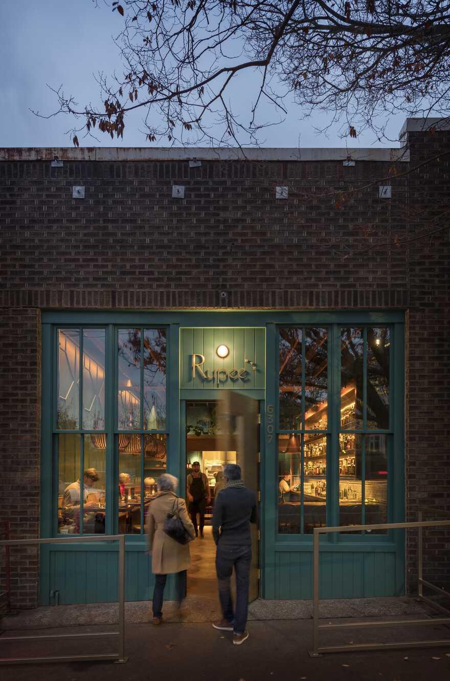 Rupee Restaurant, Seattle / Heliotrope Architects