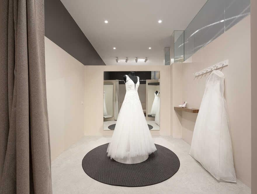 wedding attire / Pablo Muñoz Payá Arquitectos