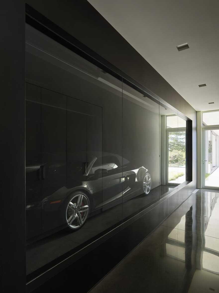 garage / EYRC Architects