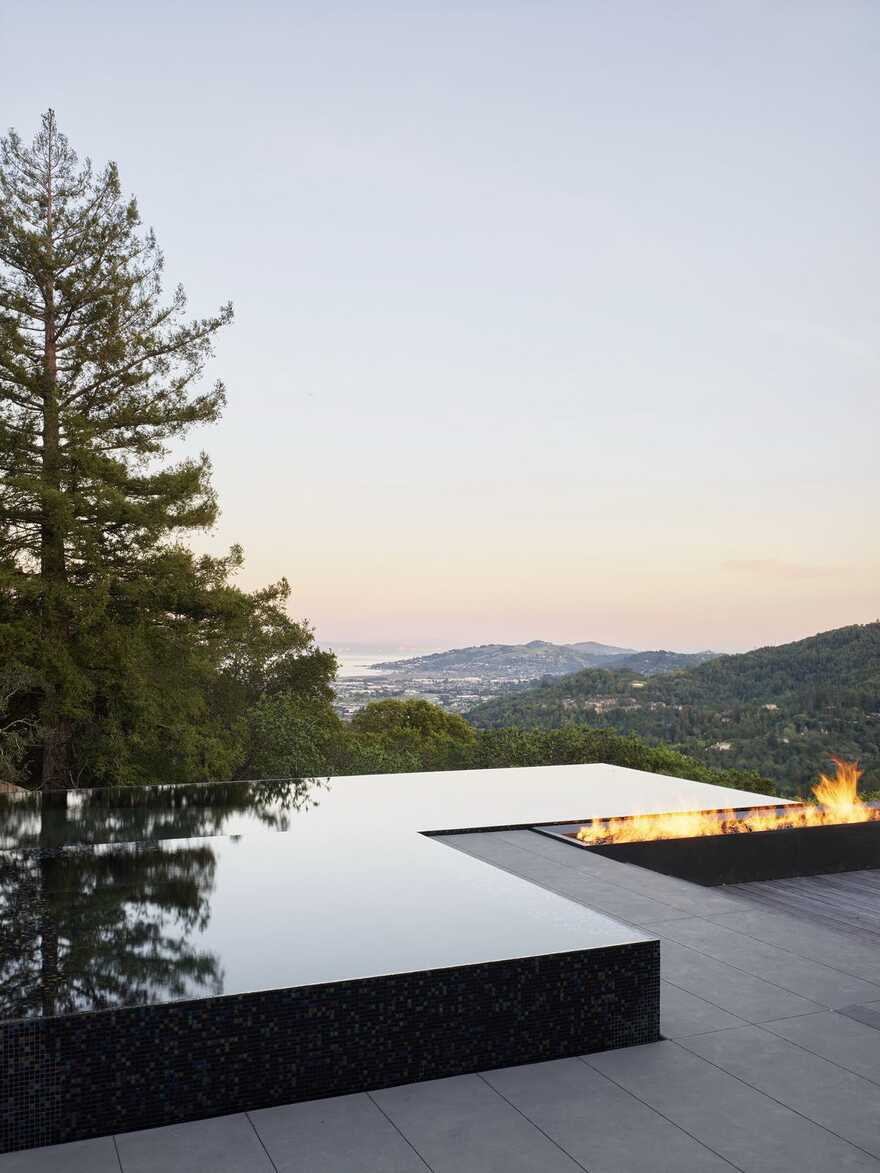 Spring Road Residence / EYRC Architects