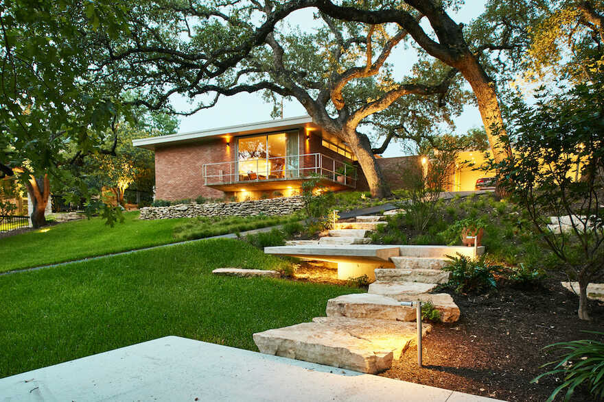 Balcones Residence, Texas / Clayton & Little
