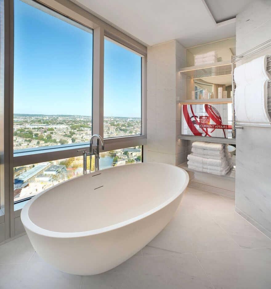 bathroom, London / WOMO Architects