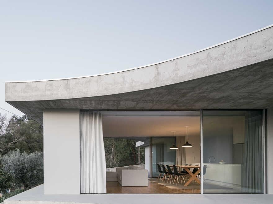 Gloma House / Bruno Dias Arquitectura