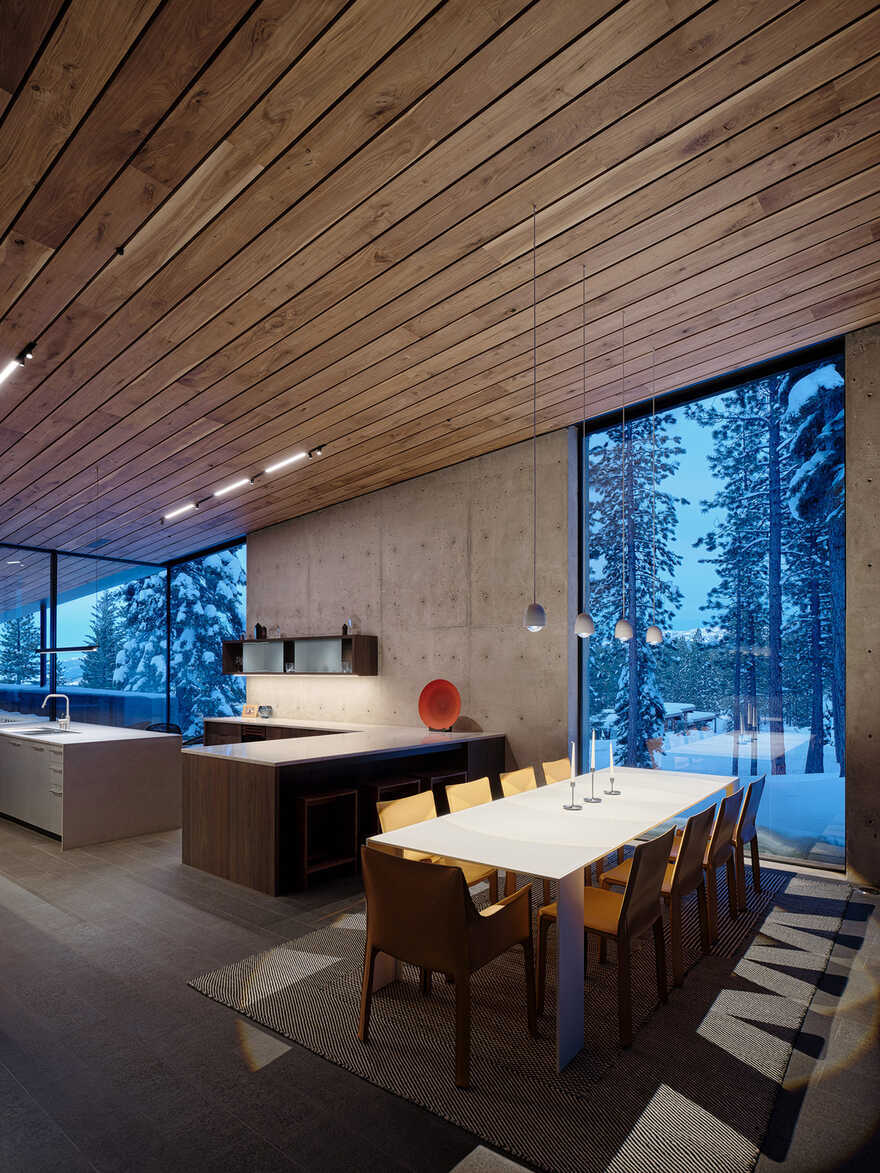 dining room / Faulkner Architects