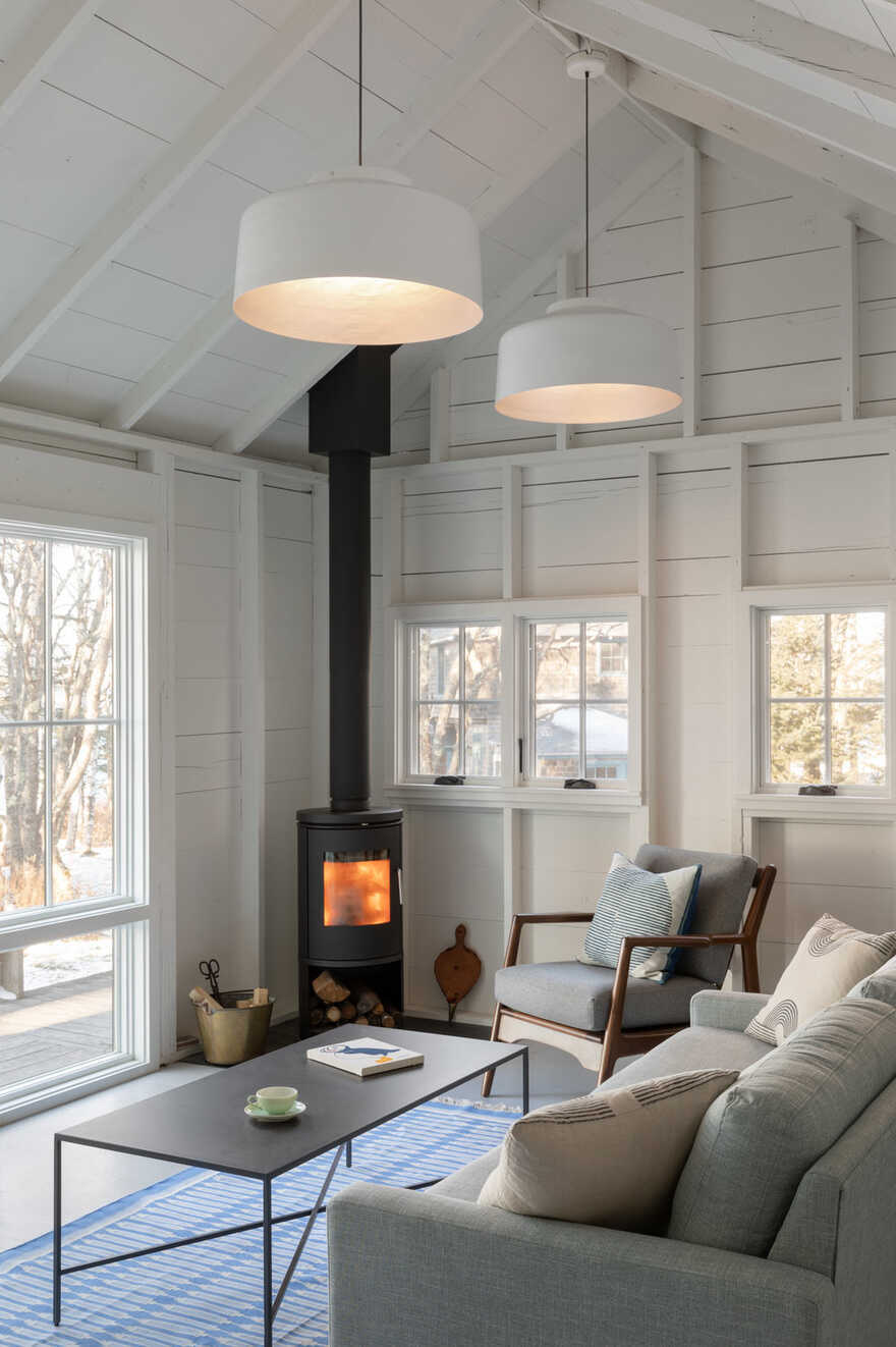 living room, fireplace / Caleb Johnson Studio