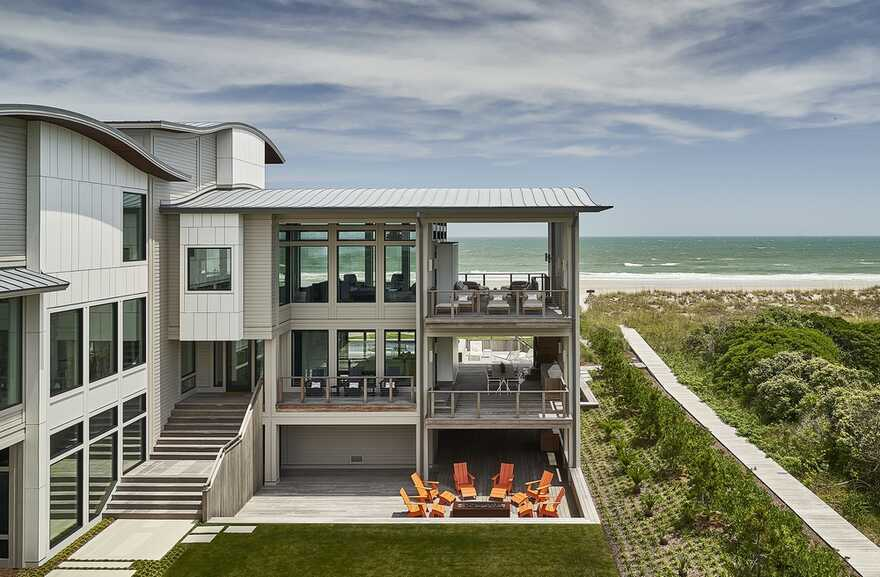 Figure Eight Island Beach House / Kersting Architecture