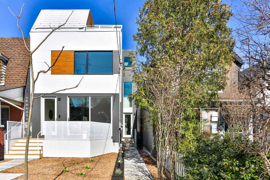 Two Intertwined Homes - Efficient, Sustainable and Healthy Urban Living