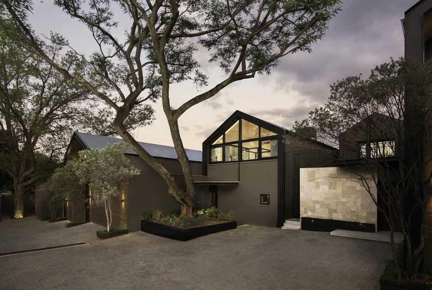 38 Morsim Road Houses, Johannesburg / Daffonchio Architects
