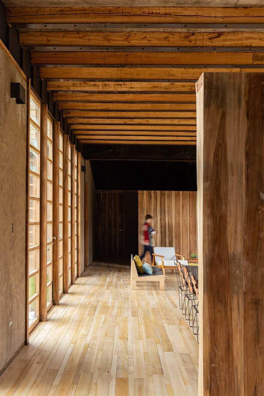 Patios Lasso House, Ecuador / Rama Estudio