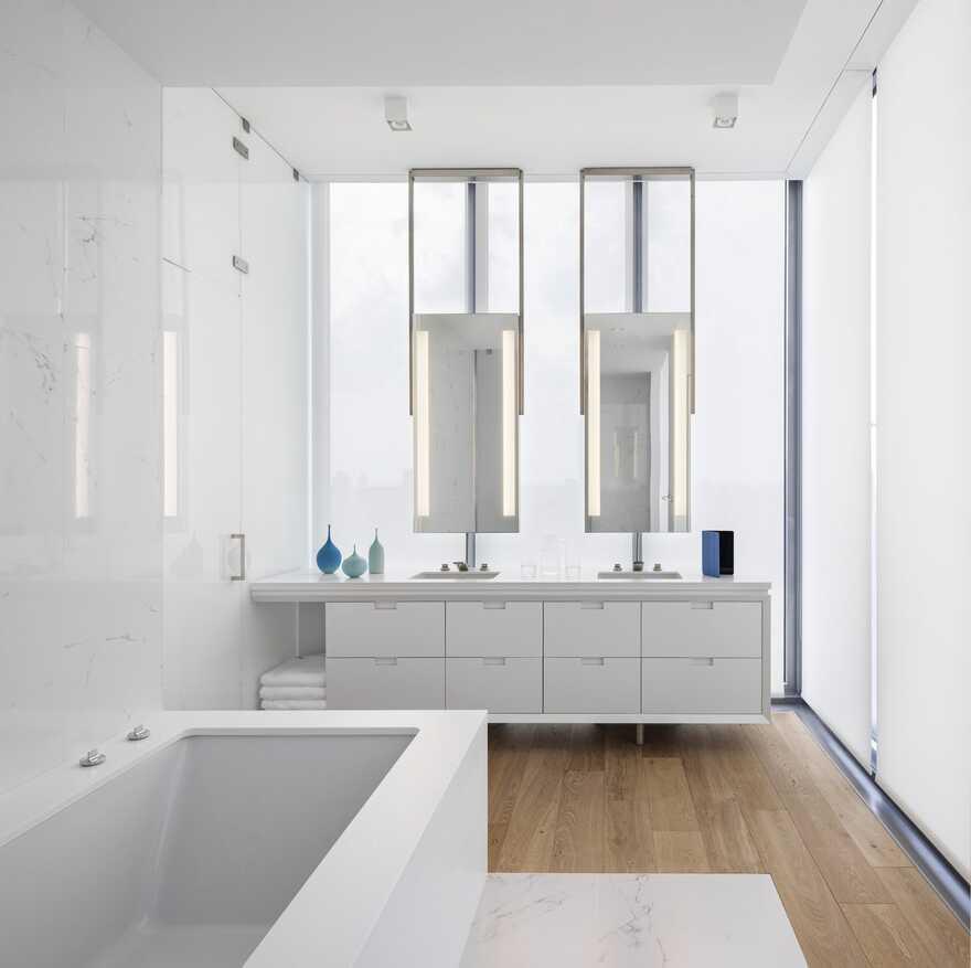 bathroom / SheltonMindel