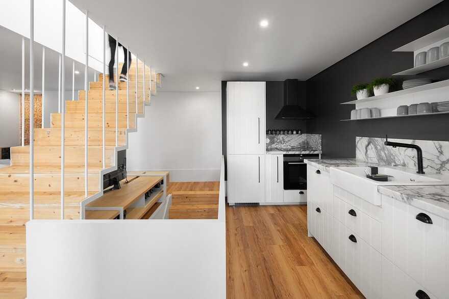 kitchen, House in the Historic Center of Leiria, Portugal, Joana Marcelino Studio
