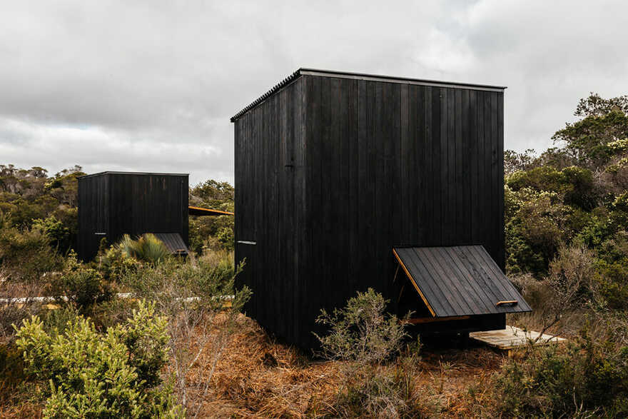 Krakani Lumi Standing Camp / Taylor and Hinds Architects