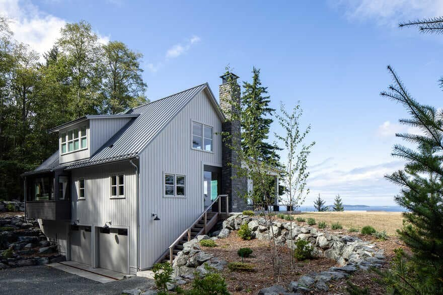 Outward Bound, a Renovated Waterfront Retreat by Heliotrope Architects