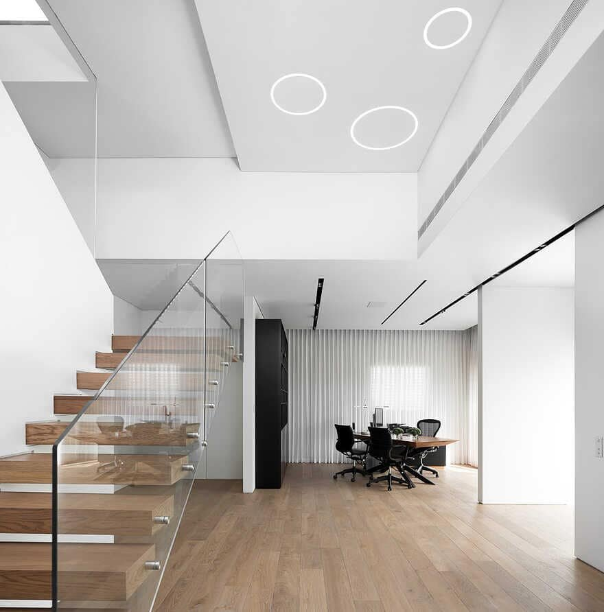 Ramat HaSharon Penthouse / DOMB Architects