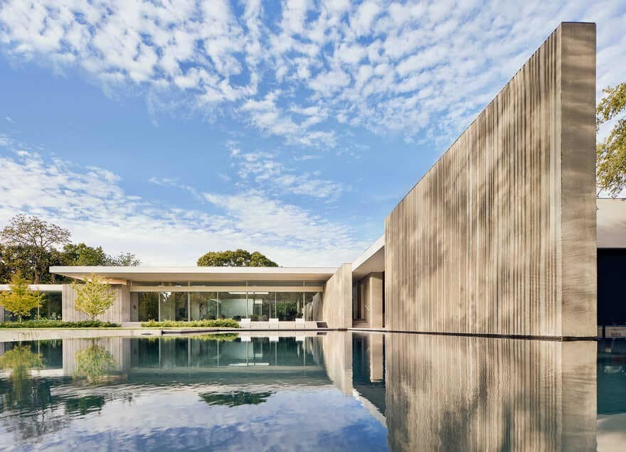 Dallas Residence Represents Resurgence of 'New Brutalism' By Specht Architects