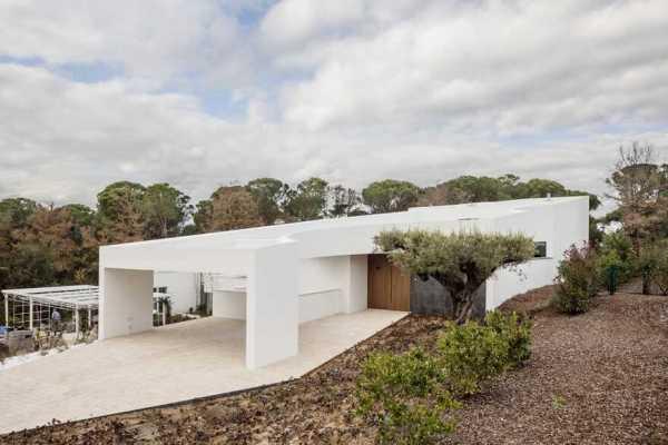 Gruyere House, Catalunya / Lagula Arquitectes