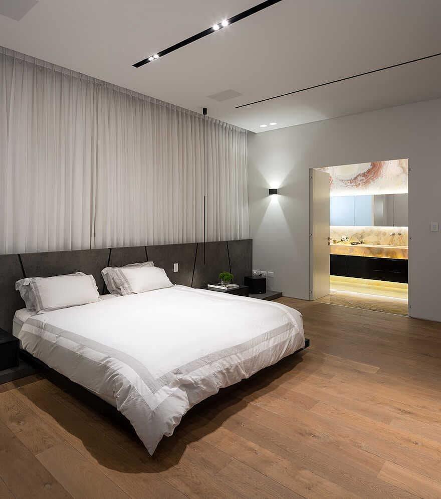 bedroom / DOMB Architects