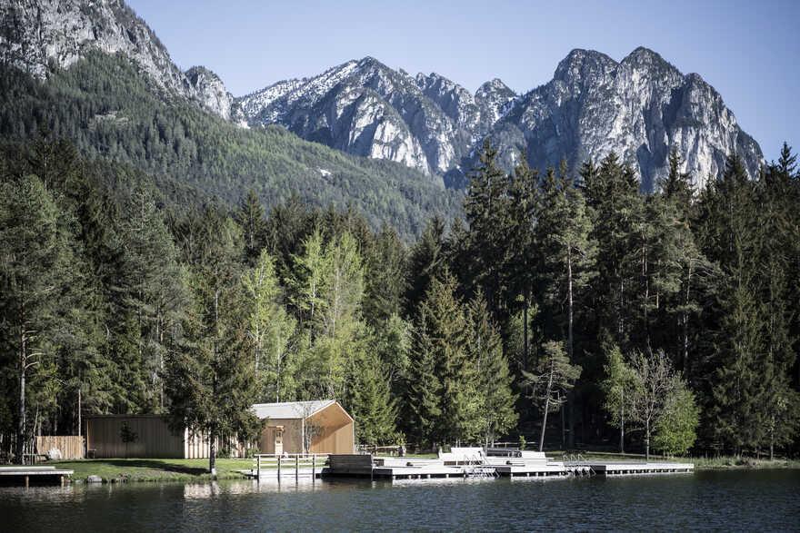 Lake House Völs: On to New Horizons