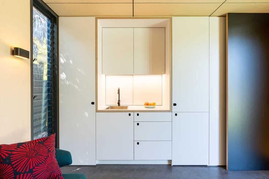 YrdPod, Tiny House by Kreis Grennan Architecture