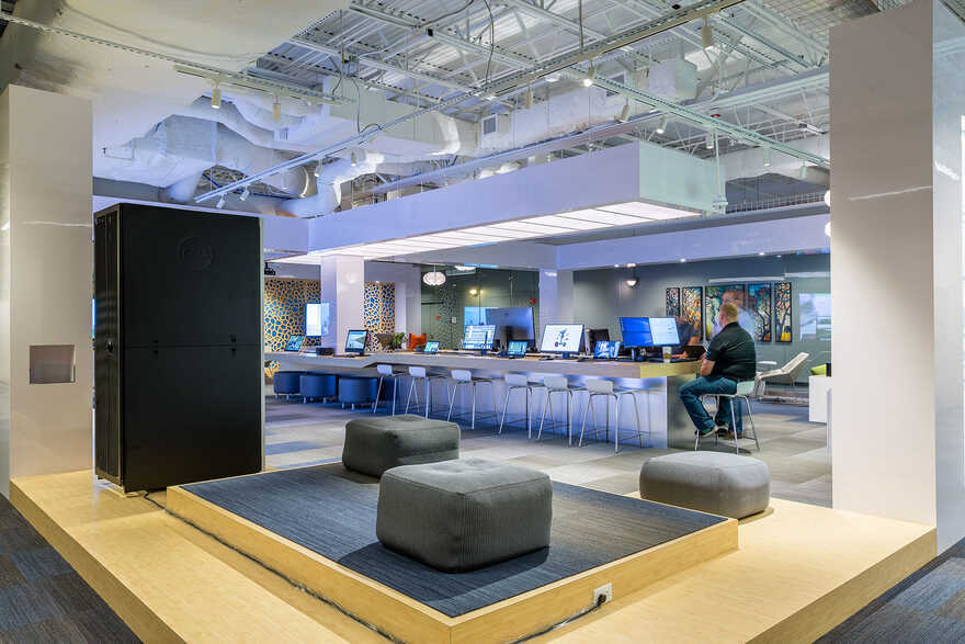 Dell Experience Lounge, Round Rock, Texas / Cushing Terrell