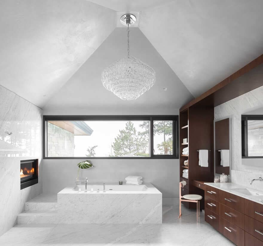 bathroom / Madeleine Design Group