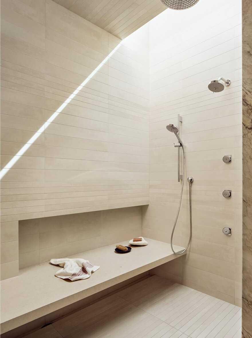 shower / Lake Flato Architects
