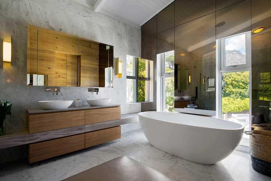 bathroom / ARRCC