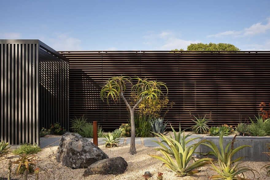 Wildlife House by Feldman Architecture
