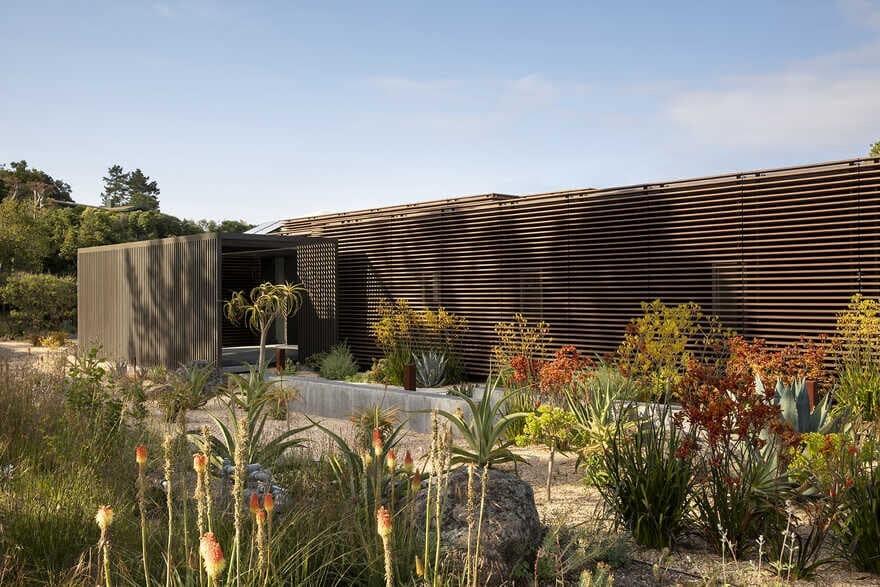 Tierwelthaus - Wildlife House by Feldman Architecture