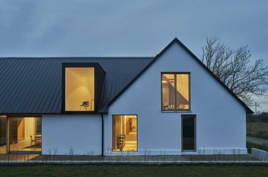 Grams Gård Farm House / Dive Architects