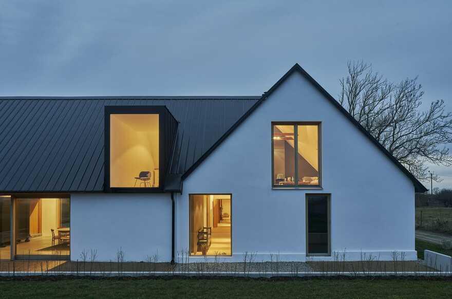 Grams Gård Farm House / Dive Architects
