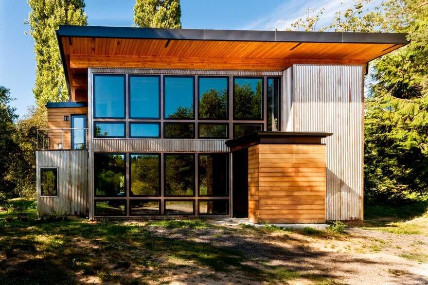 Musician's Container House by Coates Design Architects