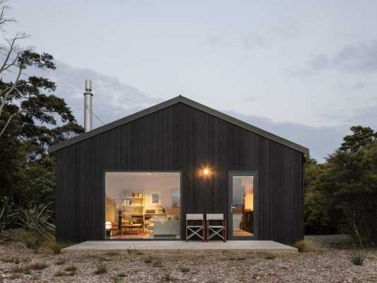 Pahi House, Rural Retreat in New Zealand by Pac Studio