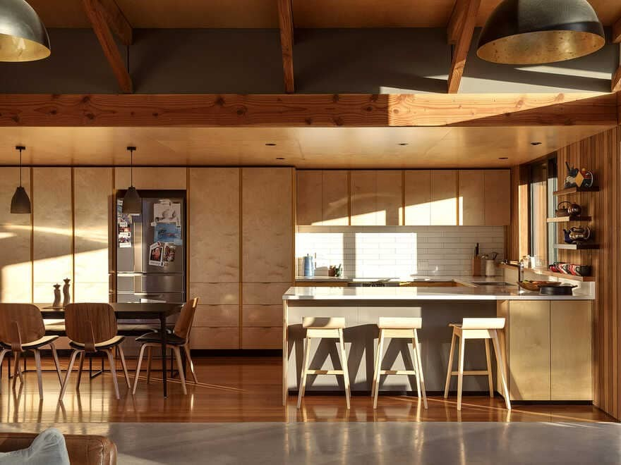 dining room / Lovell O'Connell Architects