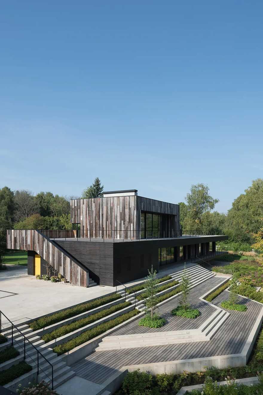 TX House / ZUN Architecture and Design