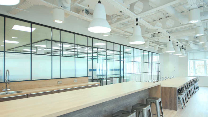 flexible & functional workplace by Maris and Direct Painting Group
