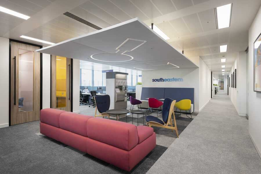 Southeastern Rail Workspace in London by Oktra