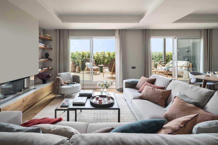 Reina Victoria Penthouse / The Room Studio