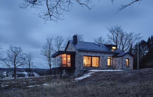 Schoolhouse Conversion by Brian O?Brian Architect