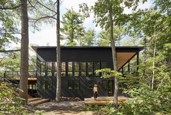 Kahshe Lake Cottage by Solares Architecture