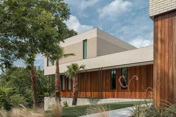 Barton Hills Brickhouse, Austin, Texas by Baldridge Architects