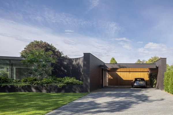 Outside In House by i29 Interior Architects and Bedaux de Brouwer