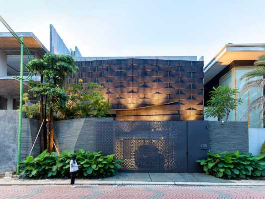 Weave House, Jakarta by Wahana Architects