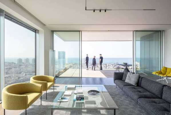 White Screens Apartment in Tel Aviv by Axelrod Architects