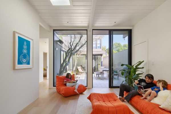 Diamond Heights Residence by YamaMar Design